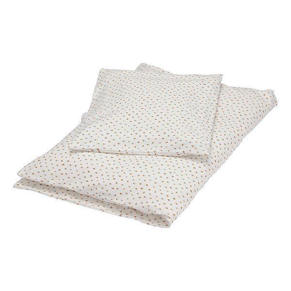 Offwhite dot babysengetøj fra Popirol Smukt cremefarvet bed linen baby sengetøj fra danske Popirol med det fineste print. Sengetøjet er super blødt og er fremstillet i 100% jersey. Sættet består af både et flot og lækkert dyne- og pudebetræk. Både dyn