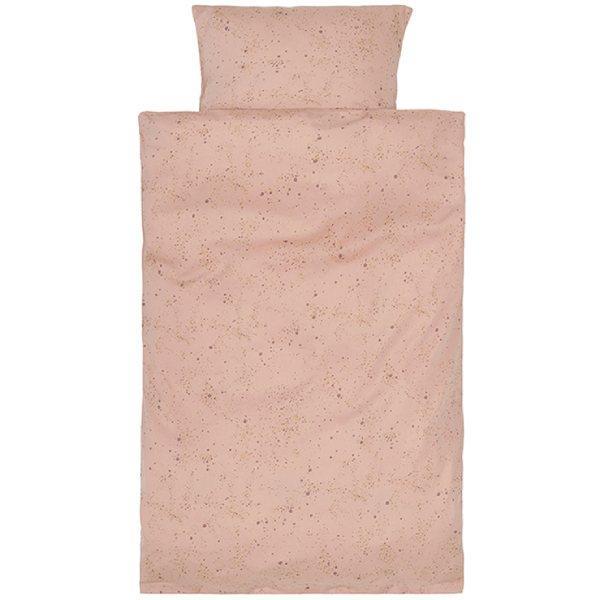 Peach perfect mini splach babysengetøj fra Soft Gallery Smuktfersken farvet Mini Splachbaby sengetøj fra danske Soft Gallery med super flottekarrygule oggrå nuancer. Sengetøjet er super blødt og består af både et flot og lækkert dyne- og pudeb